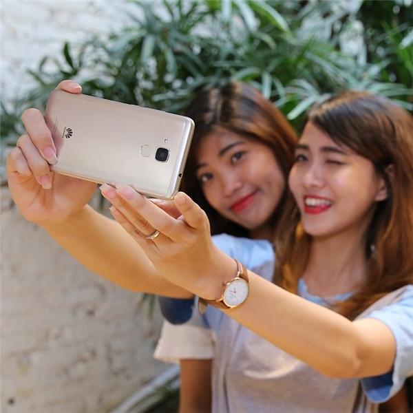 Để có bức ảnh selfie ấn tượng không thể bỏ qua 4 mẹo này