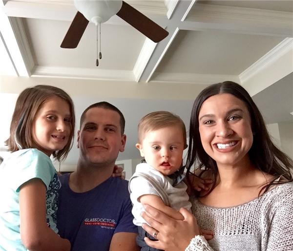 Gia đình hạnh phúc của chị Meagan.