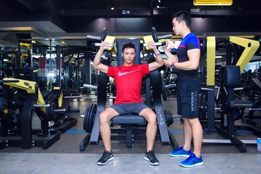 Anh được đánh giá khá năng độngkhi không ngại thử sức bản thân tại tất cả các môn thể thao.