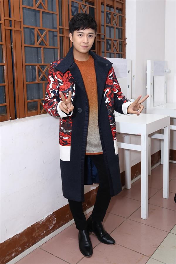 Ngô Kiến Huyđảm nhận vai trò MC đêm chung kết The Voice Kids cùng Chi Pu. - Tin sao Viet - Tin tuc sao Viet - Scandal sao Viet - Tin tuc cua Sao - Tin cua Sao