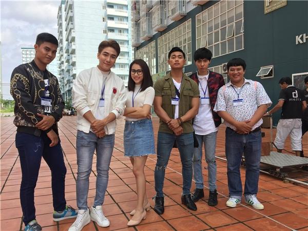 MV dài 30 phút và được chính Huy Nam viết kịch bản, dự kiến sẽ ra mắt công chúng vào ngày 15/11 sắp tới.