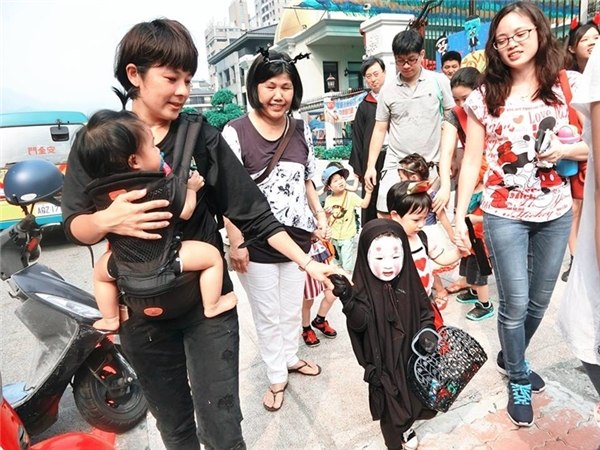 Mẹ của Meng Meng vô cùng hào hứng.