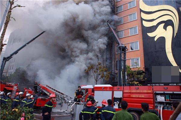 Hỏa hoạn bắt đầu từ số nhà39, sau đó lan nhanh ra 4 căn nhàbên cạnh.