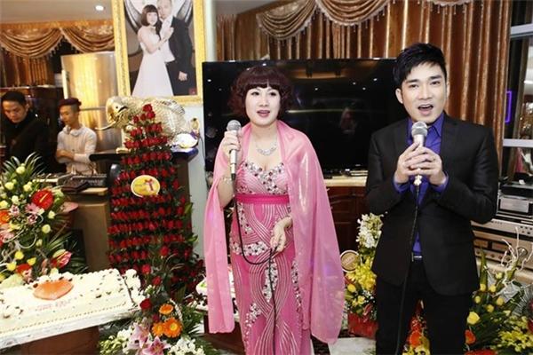 Trước đây buổi tiệc sinh nhật của vợ đại gia Đường cũng từng khiến nhiều người chú ý.(Ảnh: Internet)