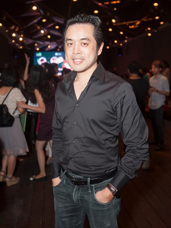 Ca sĩ Trang Pháp và Dương Khắc Linh cùng diện trang phục đen đến dự buổi họp báo. - Tin sao Viet - Tin tuc sao Viet - Scandal sao Viet - Tin tuc cua Sao - Tin cua Sao