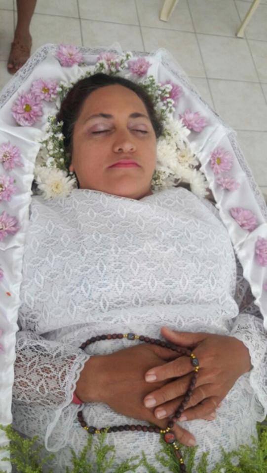 Người phụ nữ làm tang lễ cho chính mình dù vẫn sống mạnh khỏe