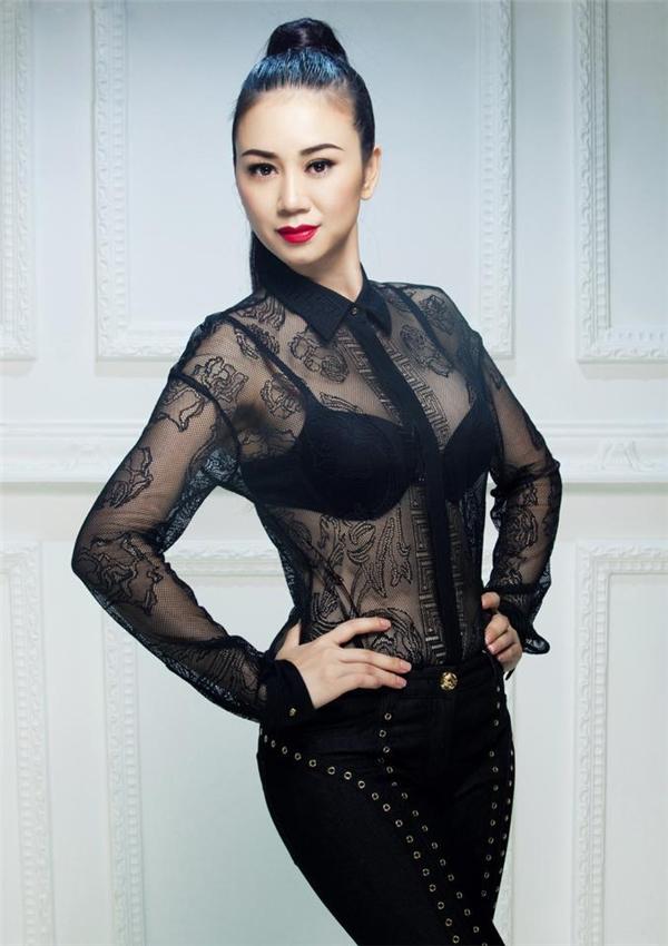 Hoa hậu Mỹ Vân tất bật chuẩn bị làm giám khảo cuộc thi nhan sắc