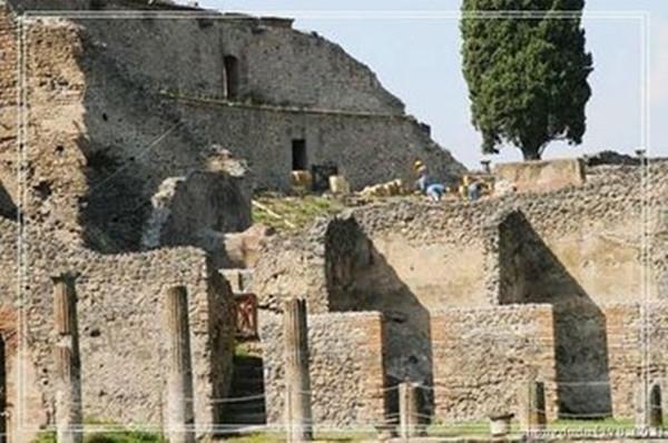 Suốt 1600 năm qua cả thành phố rộng 65ha bị nhấn chìm trong đống tro tàn cao 5,6 mét.