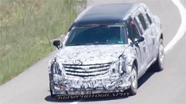 Siêu xe limousine của Tổng thống Trump có gì đặc biệt?