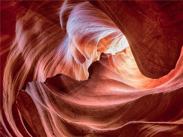 Hẻm núi Antelope, bang Arizona mang vẻ đẹp đầy bí ẩn.Đây là điểm đến của những người đam mê nhiếp ảnh. Ảnh: Getty.