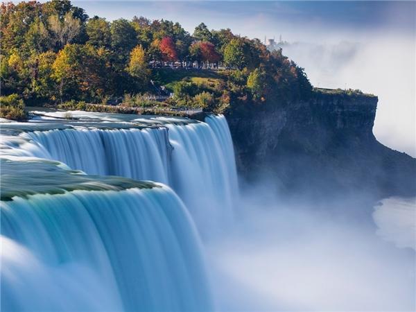 Thác Niagara được biết đến là tổ hợp thác này gồm 3 ngọn thác nằm ở biên giới Mỹ và Canada, giữa bang Ontario và New York. Ảnh: Getty.
