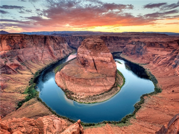 Đoạn sông Colorado cong hình móng ngựa ở Grand Canyon, bang Arizona huyền thoại.Ảnh: Getty.