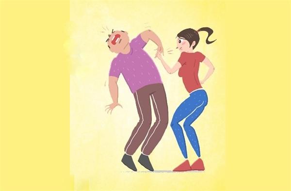 Nếu bị kẻ xấu túm lấy người, hãy chộp ngay lấy bàn tay hắn rồi bẻ một ngón tay ngược ra sau. Động tác này sẽ khiến đối phương cảm thấy đau đớn, và sẽ thả bạn ra.