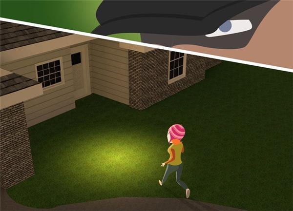 Đừng chạy vào nhà nếu đang bị theo dõi. Nếu về nhà mà thấy cửa bị cạy mở thì cũng không được bước vào trong mà phải báo công an ngay.