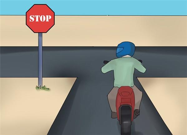 Không dừng xe quá lâu trên đường, càng không nên dừng xe để nói chuyện điện thoại.