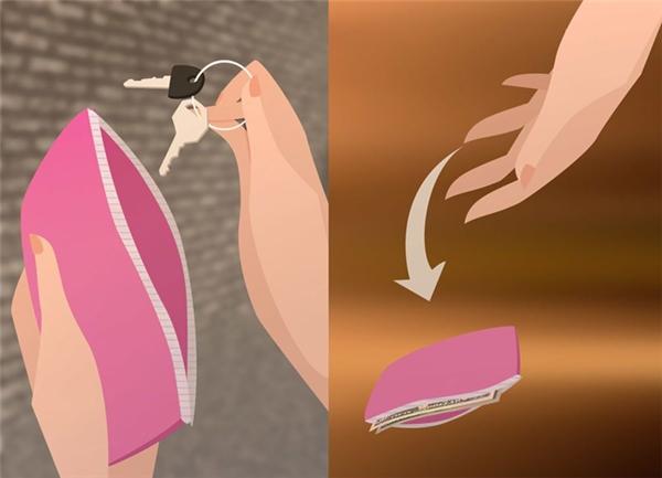 Khi đi bộ trên đường, tốt nhất là nên móc sẵn chùm chìa khóa trong tay, bạn có thể dùng nó để tấn công kẻ xấu trong tình huống bắt buộc. Nếu cần thiết, hãy vứt ví tiền đi để thoát thân. Tốt nhất bạn nên chuẩn bị sẵn một chiếc ví tiền giả bên người khi đi vào những vùng an ninh không tốt.