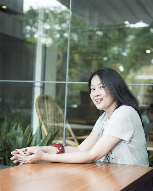 Trong sự kiện khai trương, Minh Anh đã không giấu được niềmhạnh phúc khi nhận được sự ủng hộ nhiệt tìnhcủa nhiều bạn bè,nghệ sĩ thân thiết trong làng giải trí Việt, dù cô đã rút lui khỏi showbiz từ lâu. - Tin sao Viet - Tin tuc sao Viet - Scandal sao Viet - Tin tuc cua Sao - Tin cua Sao