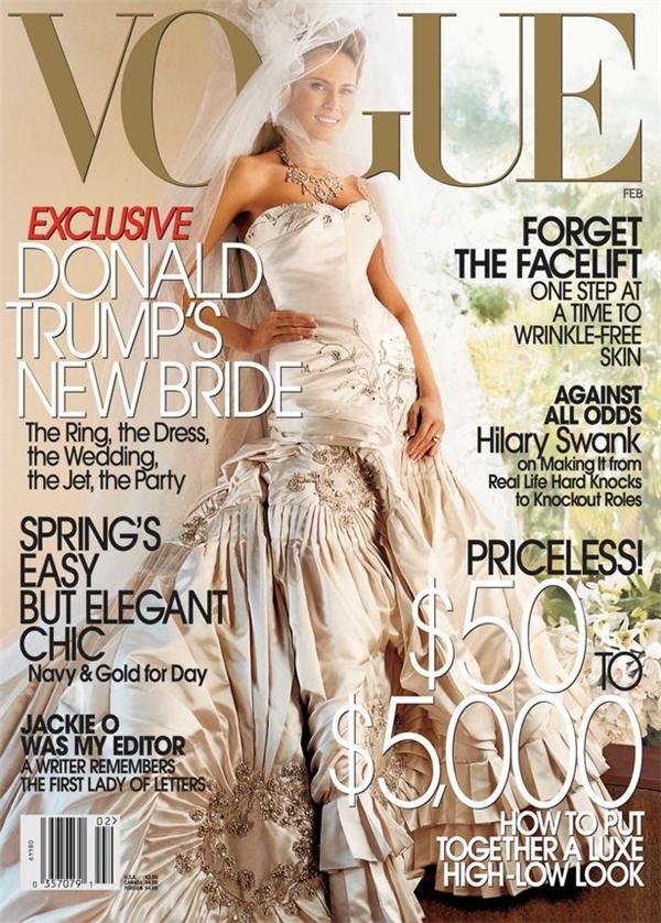 Chiếc váy cưới của cô dâutrị giá lên đến 100.000 USD (2,2 tỉ VND).