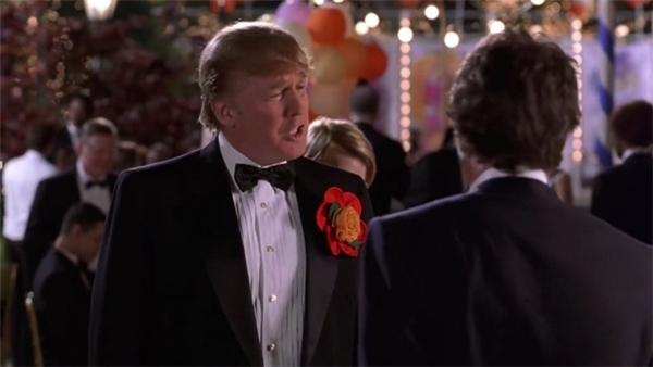 Trông bộ phim hài lãng mạn này, ông Trump gây hấn với nhân vật chính.