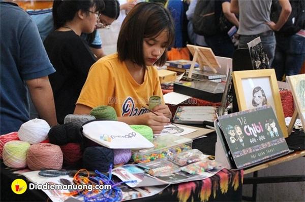 """Ăn chơi tẹt ga tại hội chợ ẩm thực """"Lê La Đường Phố"""" gây sốt giới trẻ"""