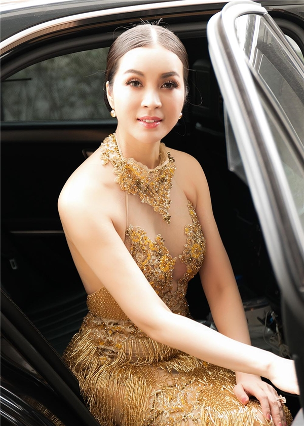 Ngỡ ngàng nhan sắc không tuổi của diễn viên Thanh Mai