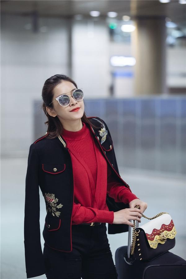 Ngay khi đến thủ đô Seoul, Chi Pu đượcđón tiếp nồng nhiệt tại sân bay Incheon và đưa về trung tâm bằng limousine.Cô ở một khách sạn 5 Sao tại khung Kangnam.BTC còn chu đáo hỏi Chi Pu về thực đơn riêng để chuẩn bị phù hợp với sức khoẻ của nữ diễn viên. - Tin sao Viet - Tin tuc sao Viet - Scandal sao Viet - Tin tuc cua Sao - Tin cua Sao