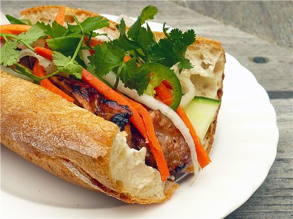 Món bánh mì thịt nướng ngon trứ danh.