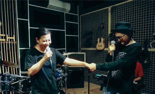 Vicky Nhung gấp rút tập luyện cho mini liveshow đầu tiên