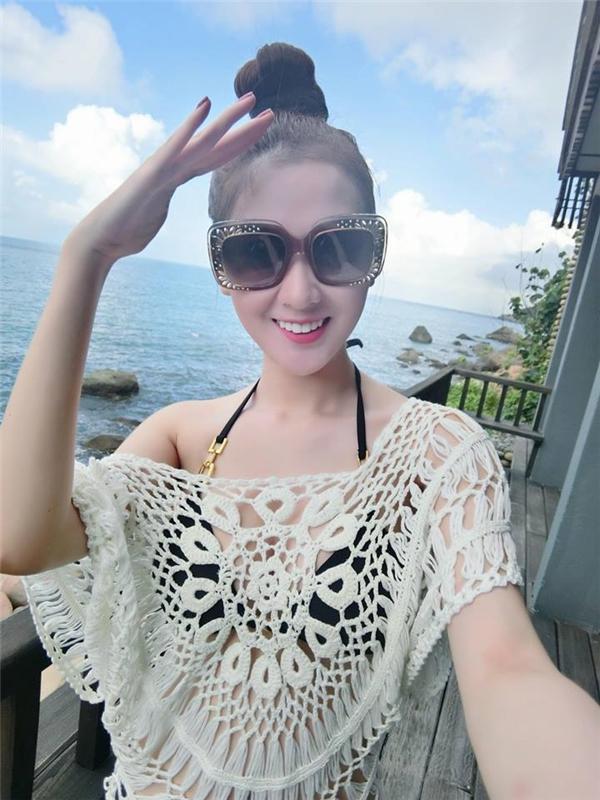 Ngọc Loan The Face hẹn hò với tình cũ của Angela Phương Trinh?