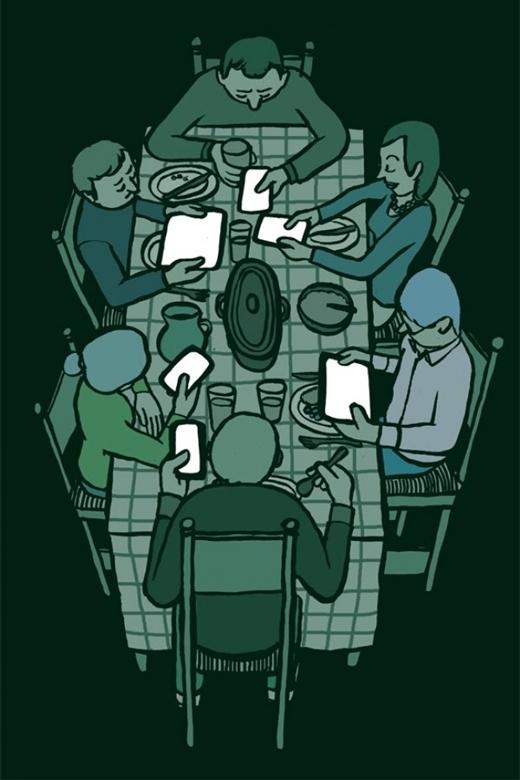 Một buổi sum họp gia đình đúng nghĩa là thế này ư: Ông, bà, bố, mẹ, anh, chị, em chia nhau mỗi người một chiếc điện thoại, máy tính bảng, đủ các thể loại công nghệ tân tiến. Đâu rồi những buổi tối cả nhà quây quần ăn cơm, cùng nhau bàn luận về tin tức cuối ngày đang chiếu trên TV? Những cuộc trò chuyện thân mật giữa các thành viên trong nhà giờ đây được thay thế bằng những đoạn chat, những biểu tượng mặt cười vô tri, và những dòng bình luận mà người đọc thậm chí còn không thấy được biểu cảm gương mặt thực sự của người đăng!