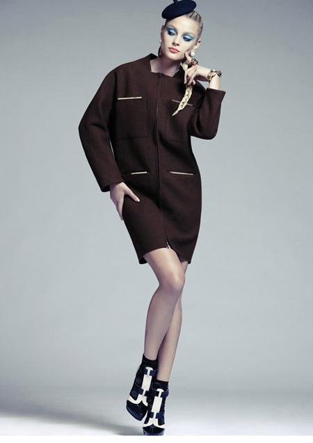 Jessica Stam hiện được xếp thứ 8 trong top 50 người mẫu do trang web Models.com bình chọn.