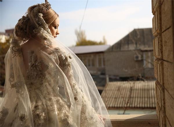 Người xem thực sự không thể cưỡng lại sức hút của chiếc váy cưới này.