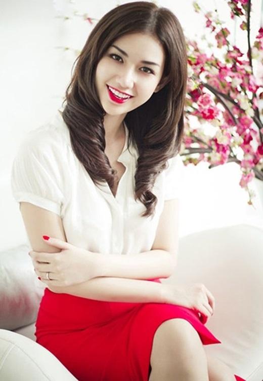 Quỳnh Chi chính là cái tênđượcđôngđảo bạn trẻ Sài Gòn yêu mến bởi ngoại hình xinh xắn lại rấtđa tài.