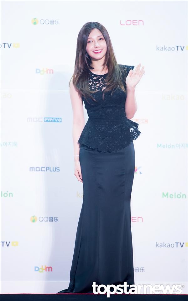 Eunji (A Pink) đơn thân đến tham dự lễ trao giải.