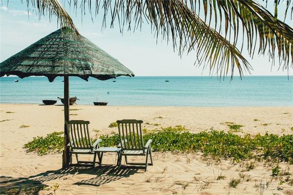Phong cảnh biển đẹp như mơ tại bãi biển Hà My.