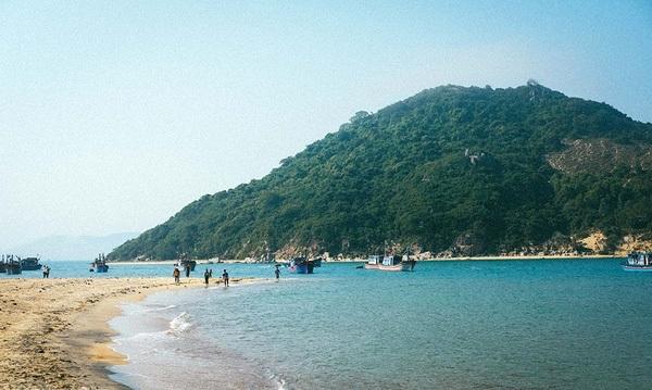 Cùng ngắm cảnh biển đầy bé hoang sơ của Bình Định.