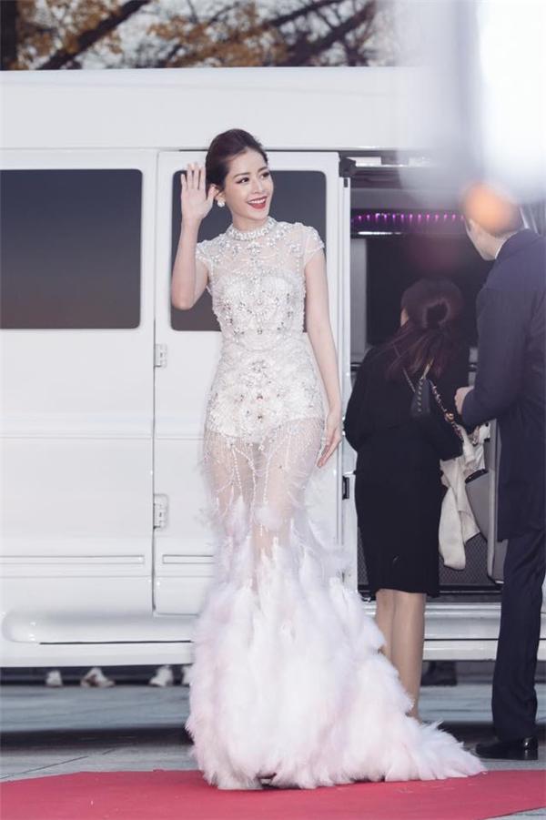 Chi Pu tại thảm đỏ củaAsia Artist Award 2016 - Tin sao Viet - Tin tuc sao Viet - Scandal sao Viet - Tin tuc cua Sao - Tin cua Sao