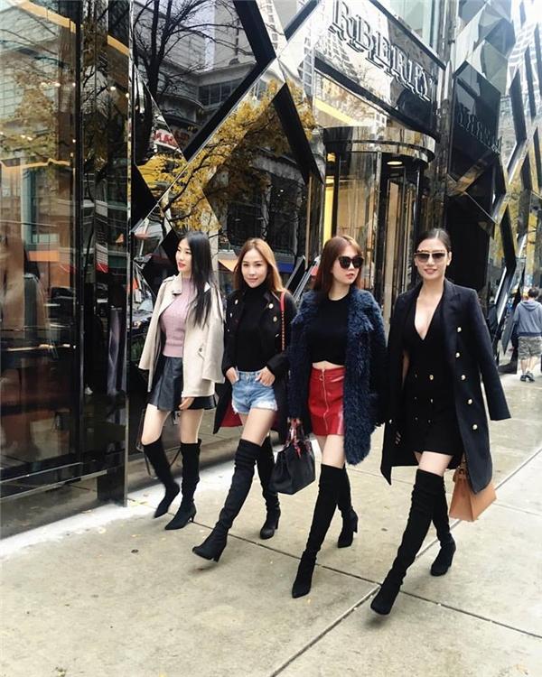 Tình bạn 10 năm hiếm có trong showbiz Việt của Ngọc Trinh - Quỳnh Thư - Tin sao Viet - Tin tuc sao Viet - Scandal sao Viet - Tin tuc cua Sao - Tin cua Sao
