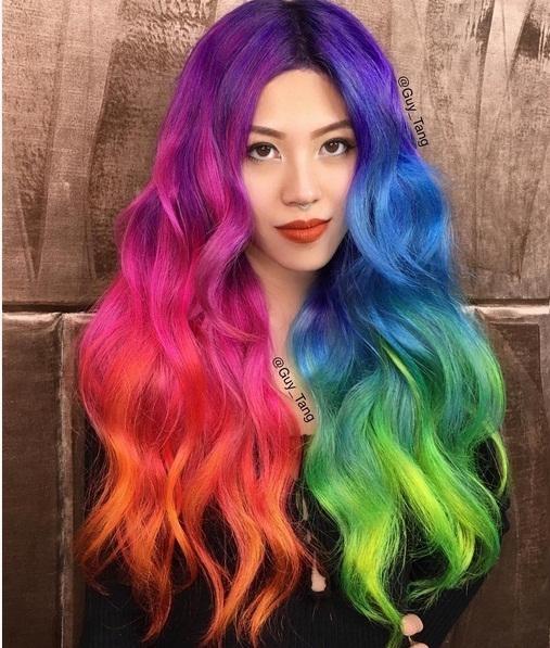 Và đây là mái tóc 7 màu độc đáo chỉ dành riêng cho các nàng sành điệu chịu chơi.
