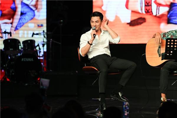 """""""Cười té ghế"""" trước phiên bản siêu bựa PPAP của """"Thái tử"""" Isaac - Tin sao Viet - Tin tuc sao Viet - Scandal sao Viet - Tin tuc cua Sao - Tin cua Sao"""