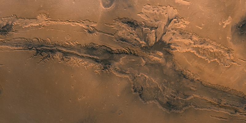 DãyValles Marineris đồ sộ và khổng lồ từ ảnh chụp của NASA