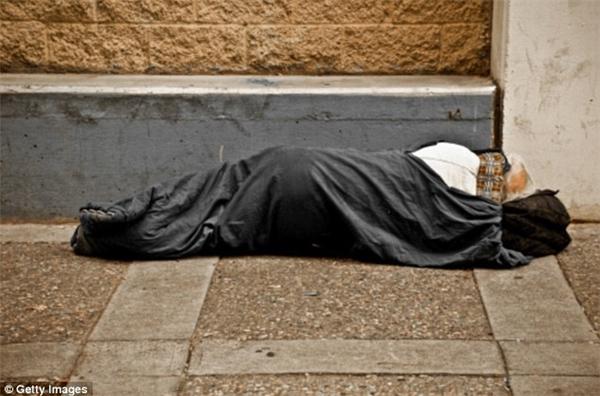 Người nghèo thường không được đảm bảo nhiều về điều kiện làm việc nên tuổi thọ ngắn hơn người giàu.
