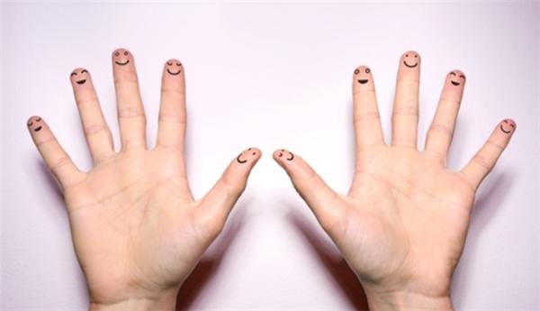 Đoán tính cách qua việc so sánh ngón áp út với ngón trỏ