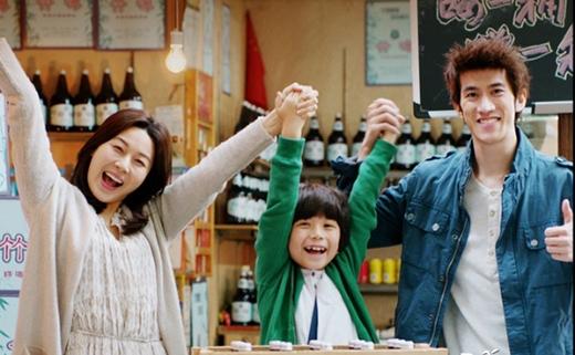 """Nhờ có """"cầu nối"""" Tae bong, Go Mi Yeon (Kim Ha Neul) và Zhou Liyan (Lý Trị Đình) nhận ra nhân duyên của mình."""