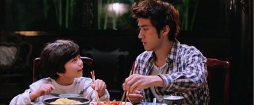 Với phong cách diễn xuất đáng yêu cộng với vẻ ngoài Mason là điểm sáng cho bộ phim.