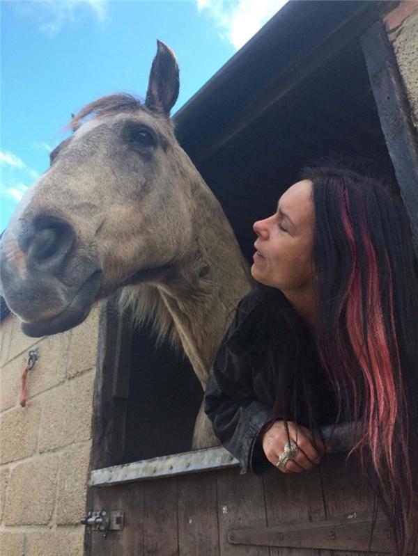 Kate cho rằng, linh hồnloài ngựa đang trú ẩn trong con người cô.