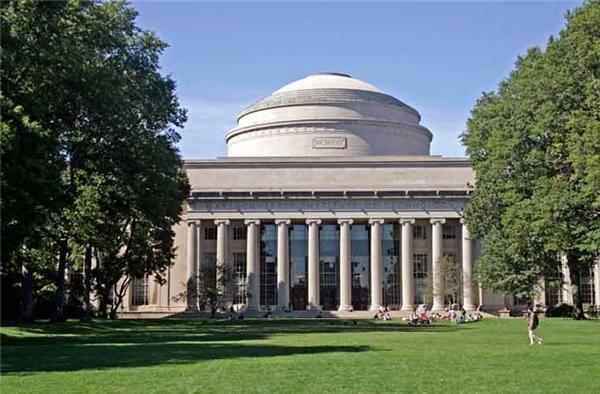 Vị tríthứ 5 làHọc viện công nghệ Massachusetts,Mỹ.