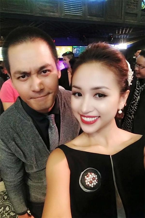 Dẫu vậy, nữ MC Hà thành xinh đẹp vẫn xuất hiện trên sân khấu một số chương trình với vai trò MC để thỏa nỗi nhớ nghề da diết.  - Tin sao Viet - Tin tuc sao Viet - Scandal sao Viet - Tin tuc cua Sao - Tin cua Sao