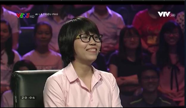 Cô gái xuất hiện với nụ cười rạng rỡ và có vẻ là một người cởi mở, vui tính. (Ảnh: Cắt clip)