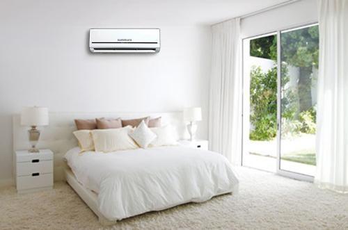 Sắp xếp cho căn phòng gọn gàng để không cản dòng khí lạnh từ máy lạnh. (Ảnh: internet)
